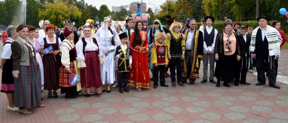 Традиционно он проводится в числе праздничных мероприятий, приуроченных ко Дню рождения города ,