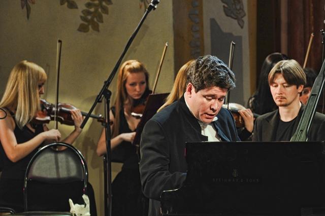 Баянист-виртуоз Айдар Гайнуллин, лучший джазовый контрабасист страны Андрей Иванов, мультиинструм