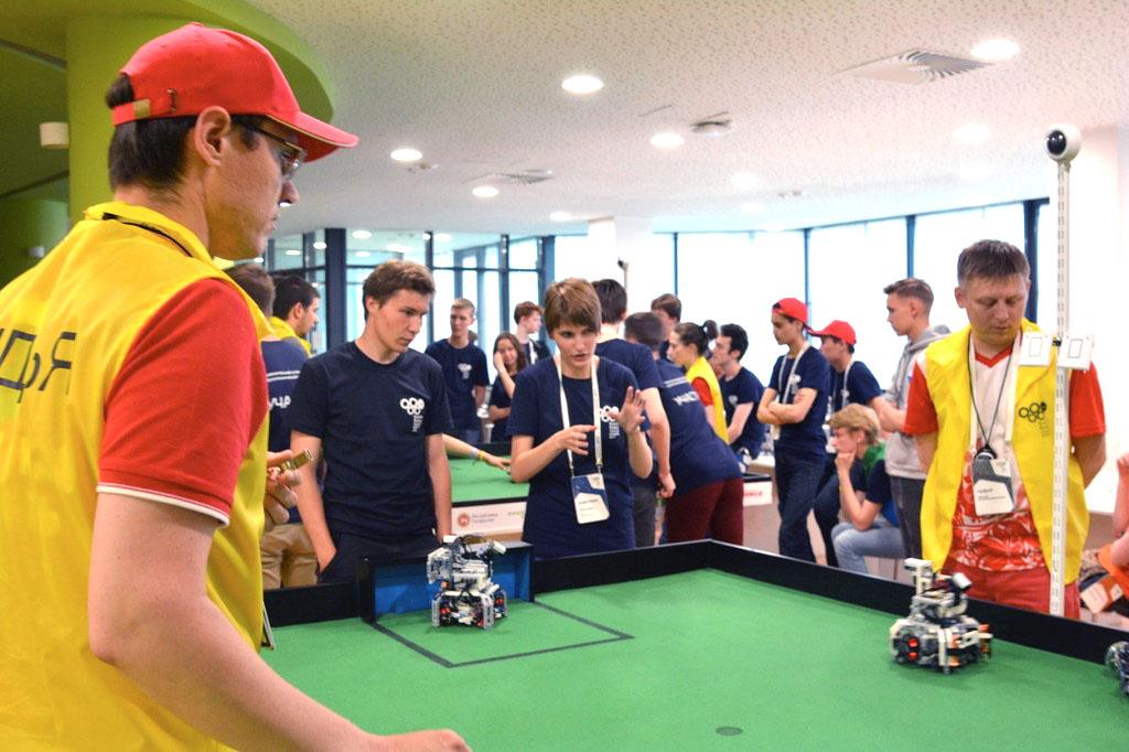 Всего в сборах принимают участие более 60 команд – победители всероссийского этапа Всемирной олим