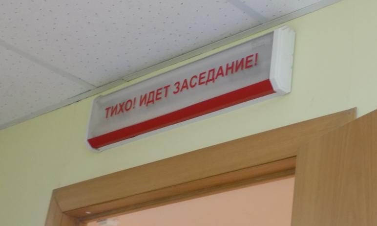 В Челябинске 34-летний отец троих детей предстанет перед судом за наезд на женщину во дворе дома.