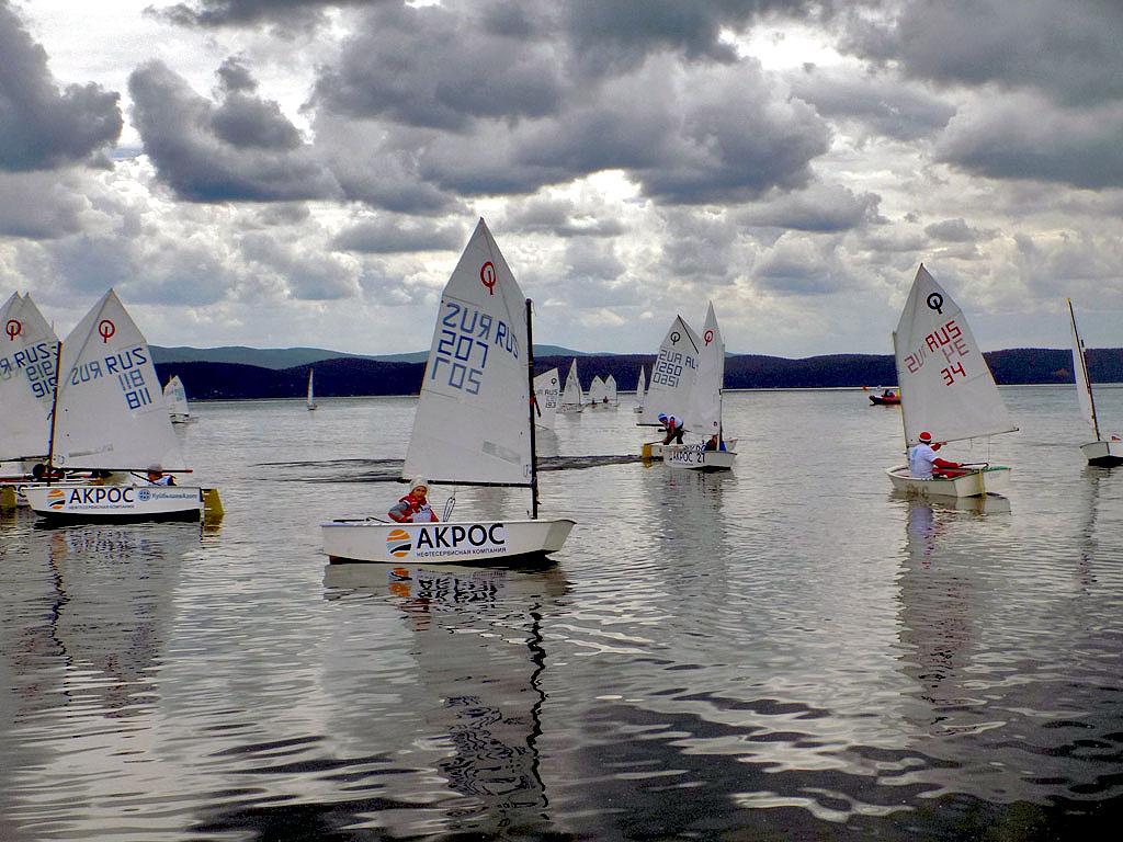 «Золотой пляж» на озере Тургояк под Миассом принимает участников «Кубка путешественника Федора Ко