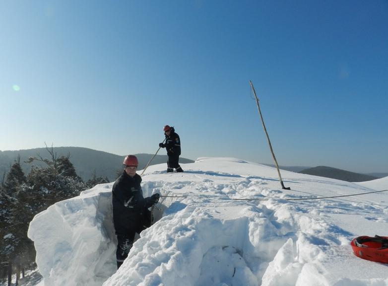 В течение четырех дней участники сборов совершали восхождения на горные вершины в Национальном па