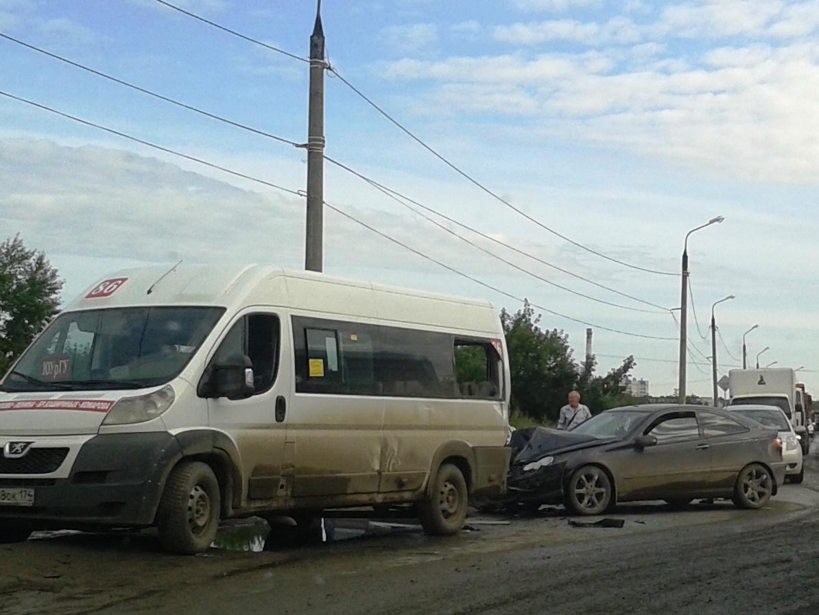 Один из челябинских блогеров предложил альтернативную акцию «Маршрутки прочь из Челябинска!». Он
