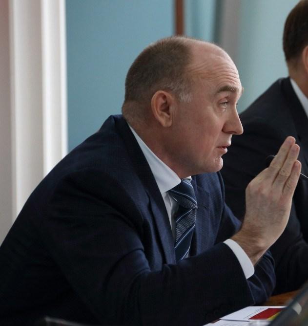 Разнос губернатор устроил сегодня, 12 апреля, на очередном совещании, после того как один из глав