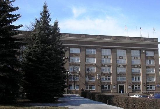 Калининский районЧелябинска в городском парламенте будут представлять главврач