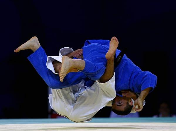 «Золото» завоевали Наталья Дроздова (78 килограммов) и Дмитрий Лавров (сто килограммов). Серебрян
