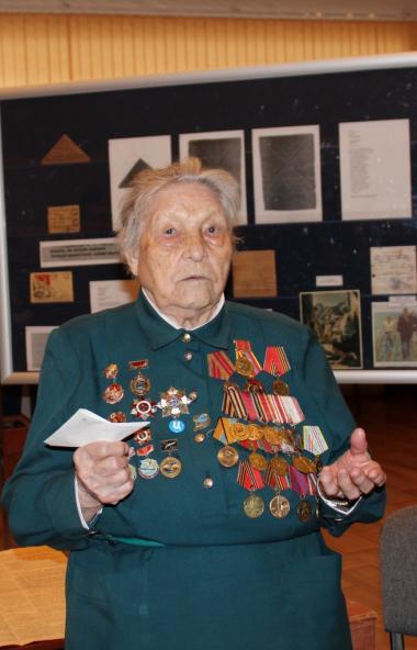 Столетняя жительница Челябинска Евгения Николаевна Пустозерова стала одной из героинь Почтовой кн