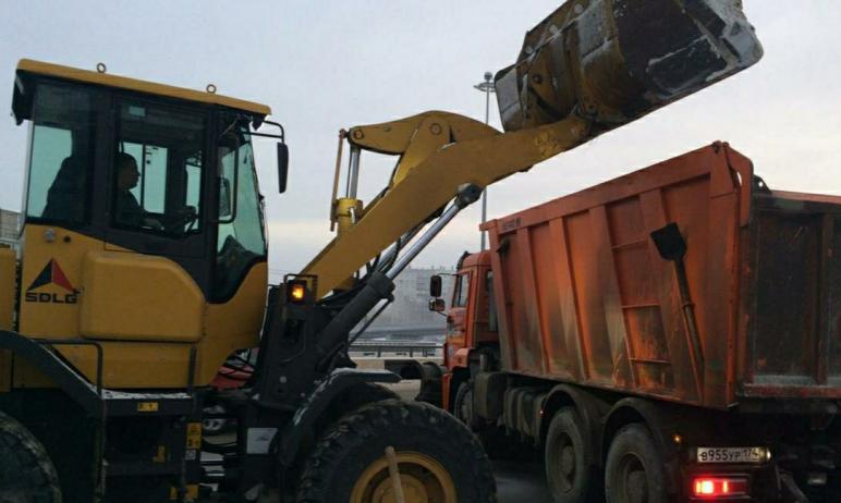 За ночь в Челябинске дорожники собрали и вывезли 776,5 тонн снега. Сегодня, 4 декабря, в городе п