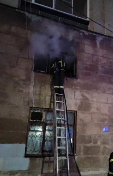 В Челябинске вчера, 25-го февраля, около девяти часов вечера произошел пожар в пятиэтажном доме н