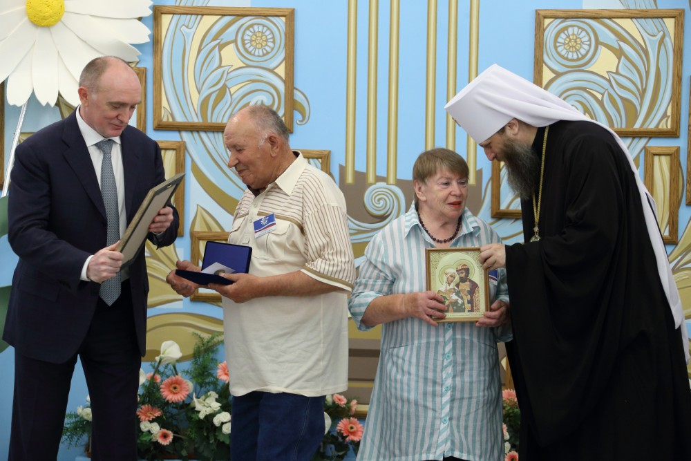 Государственная награда-медаль «За любовь и верность» вручается она в этом году в десятый раз. Он