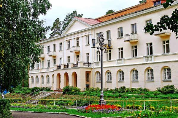 Одна из самых популярных здравниц Южного Урала – санаторий «Еловое» - в последние годы испытывает