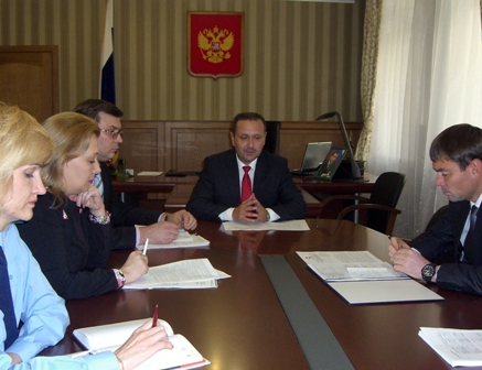 Такую рекомендацию Андрей Андриянов дал по итогам рабочего совещания по вопросу о решении пробле