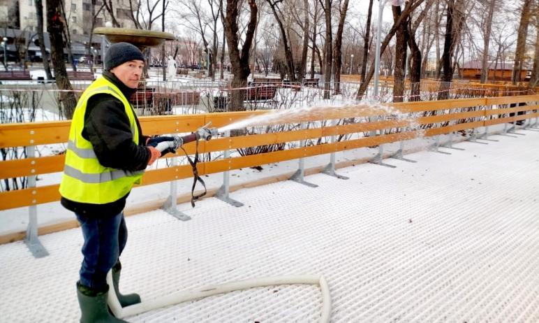 В Челябинске продолжается создание уникальных для города ледовых аллей. Сейчас в парке имени Тере