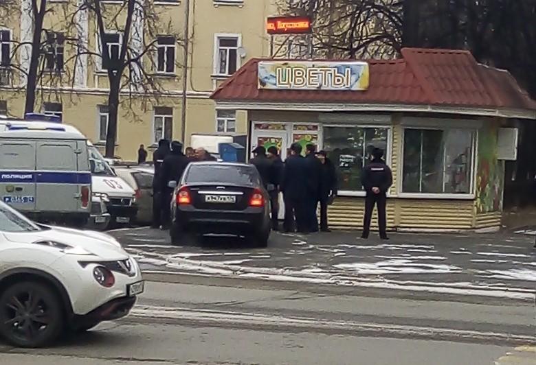 Житель Озерска (Челябинская область) на почве ревности застрелил бывшую супругу на глазах у дочер
