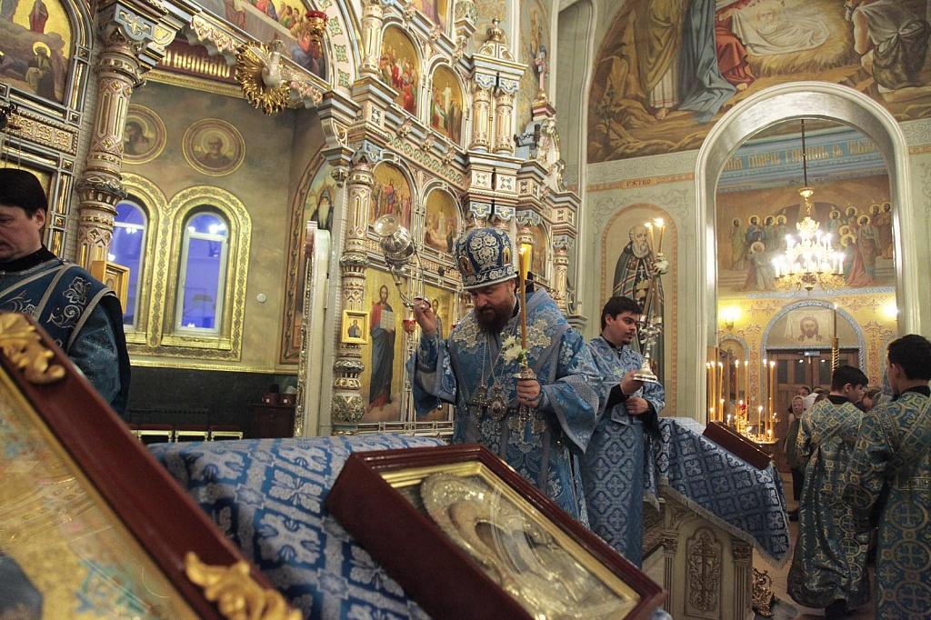 Сегодня, 15 февраля, православные отмечают двунадесятый праздник - Сретение Господа Иисуса Христа