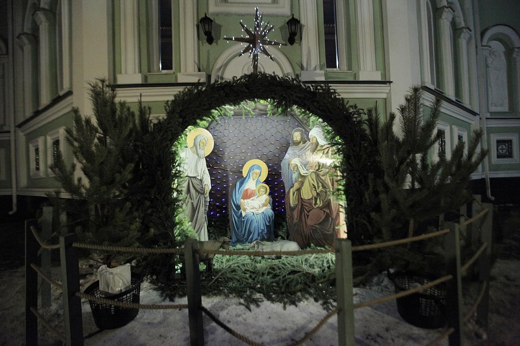 В ночь с 6 на 7 января во всех храмах Челябинской епархии состоялись торжественные богослужения,