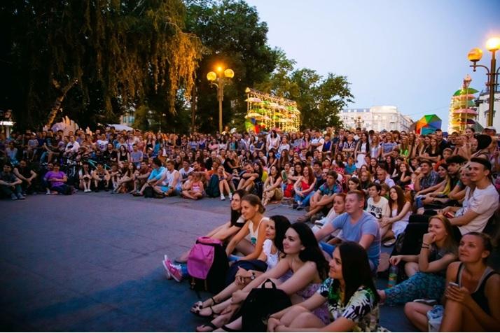 В субботу, 21 июля, в Челябинске пройдет V Фестиваль уличного кино, где покажут лучшие короткомет
