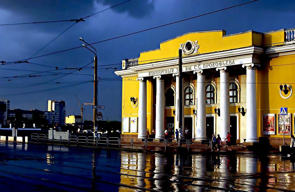 3 октября исполняется 120 лет со дня рождения Сергея Есенина. Артисты Челябинской филармонии встр