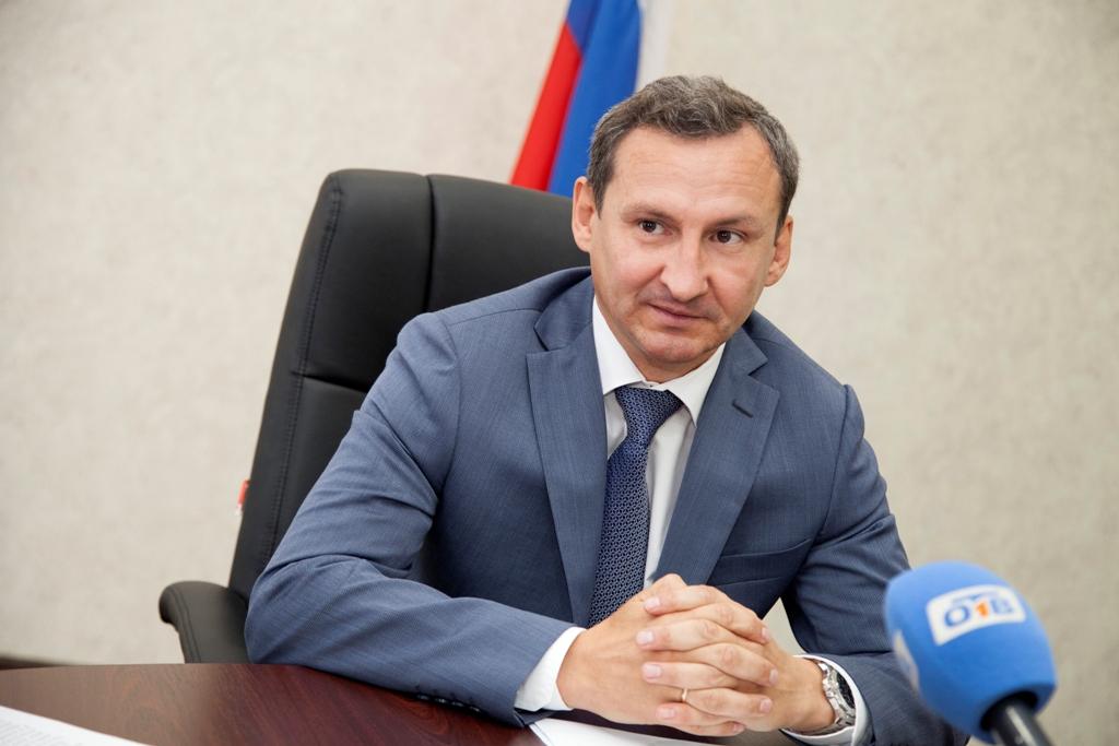 Свою первую пресс-конференцию для журналистов провел сегодня в Челябинске недавно назначенный пре