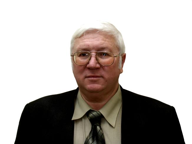 Владимир Семенович родился 29 сентября 1941 года в городе Челябинске. С 1958 по 1963гг. обучалс