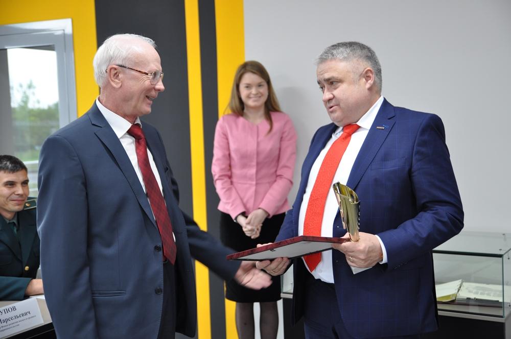 Как сообщили агентству «Урал-пресс-информ» в пресс-службе АО «ММЗ», заседание прошло на новой про