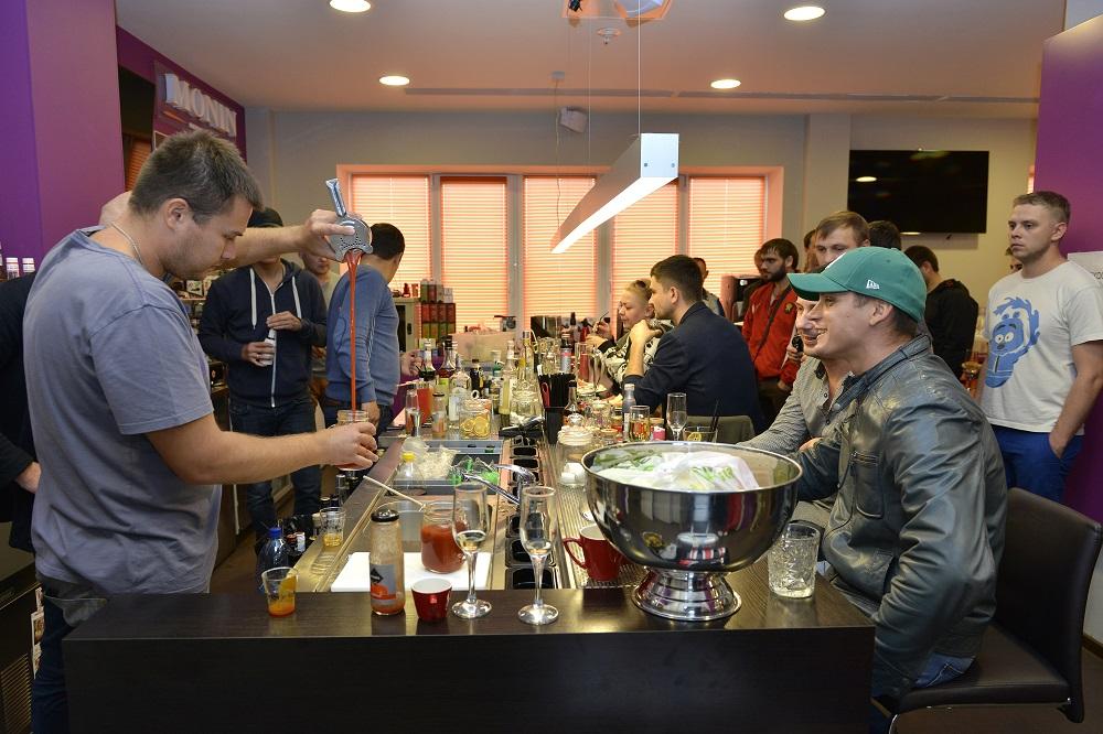 К участию в открытом конкурсе приглашаются лучшие бармены Урала, работающие в Челябинске, Екатери