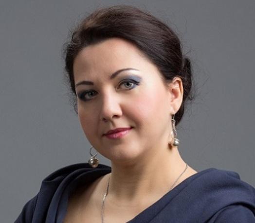 Лауреата международных конкурсов примадонну челябинской оперы Елену Роткину от