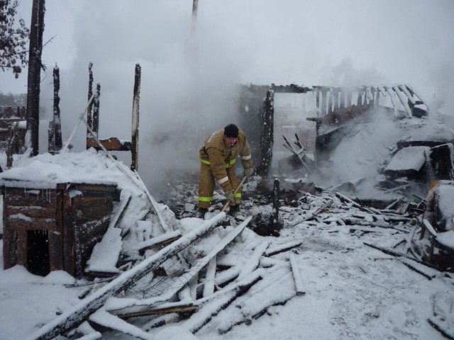 Как сообщает пресс-центр противопожарной службы Челябинской области, трагедия произошла на улице
