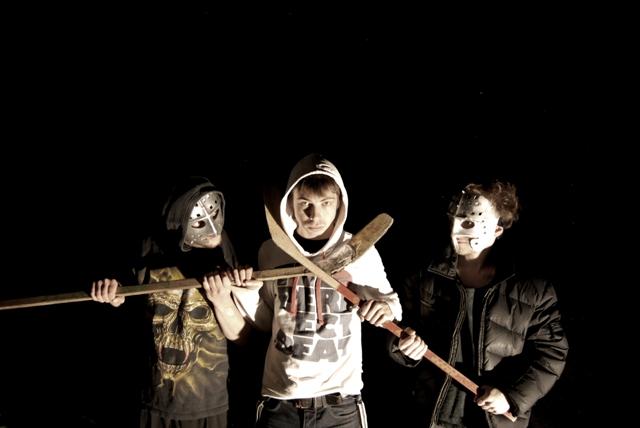 Постановку «жестокой комедии со счастливым финалом» осуществил молодой режиссер театра Никита Зол