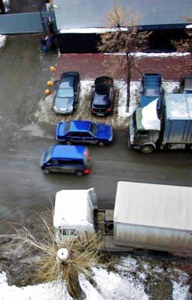 В предновогодние дни будет ограничено движение большегрузного автотранспорта и автомобилей габари