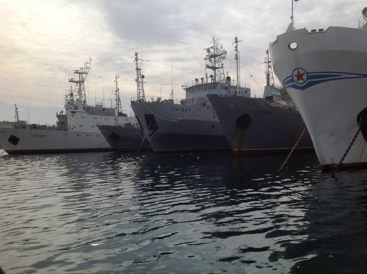 По данным агентства, вице-премьер крымского правительства Руслан Бальбек считает, что для официал