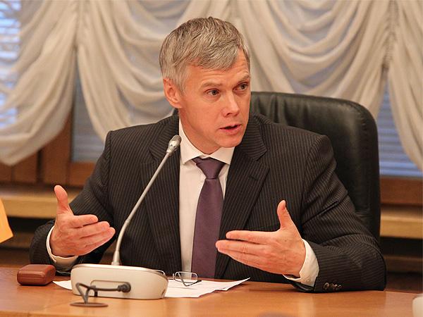 Депутаты Государственной Думы разошлись во мнениях, на каких машинах должны передвигаться народны