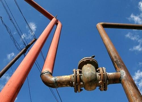 Газопровод в Назаровском посёлке должны были пустить в эксплуатацию в июле 2010 года. Однако из-з