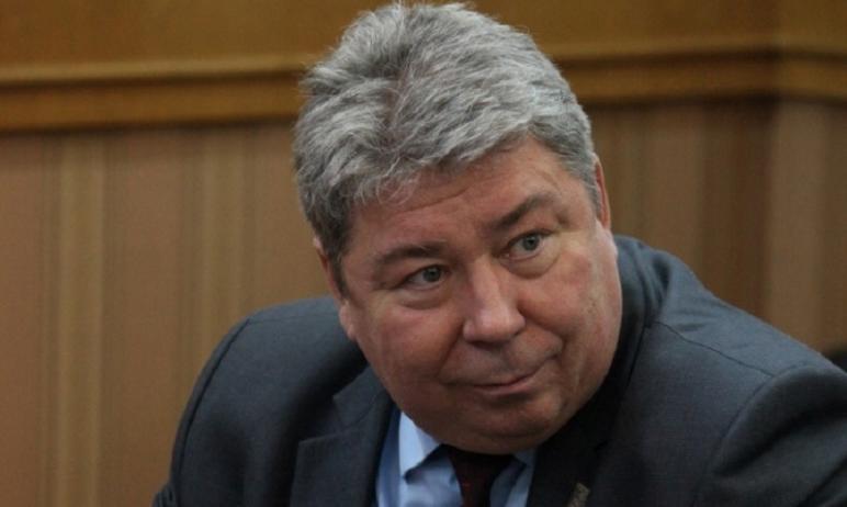 Сегодня, 23 июля, в Тракторозаводском районном суде Челябинска главе регионального ПФР Виктору Че