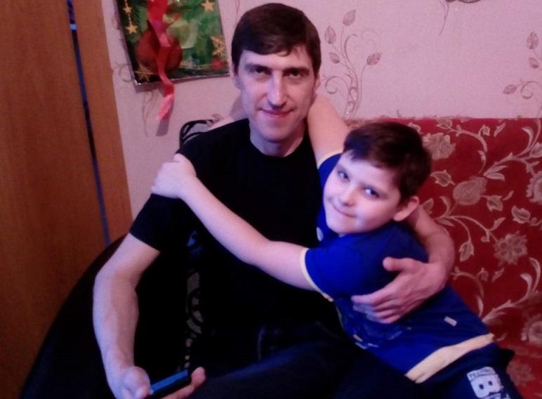 В городе Карталы (Челябинская область) несколько лет родственники не могут поделить семилетнего м