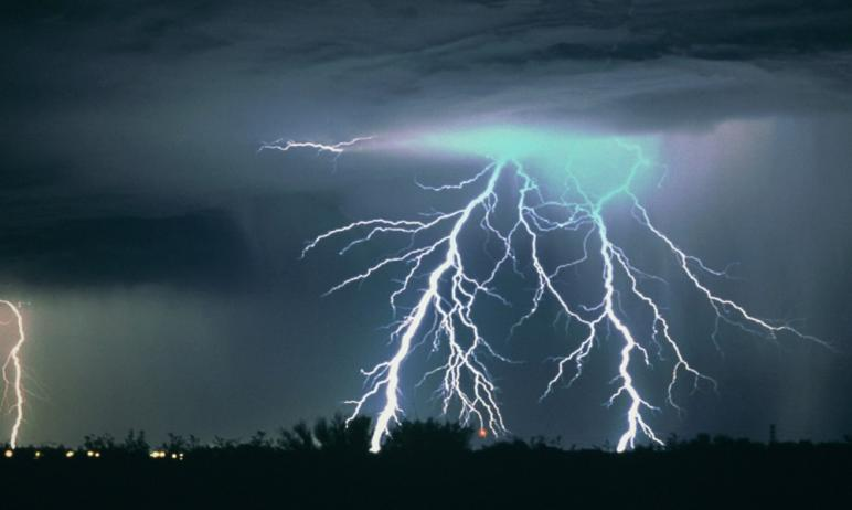 Жителей Челябинской области предупреждают об ухудшении погодных условиях – ливни, грозы и порывис