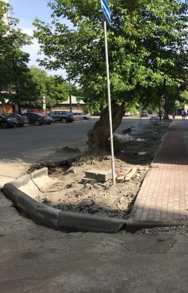 В Челябинске завершено благоустройство прогулочной зоны в Курчатовском районе, где работы велись