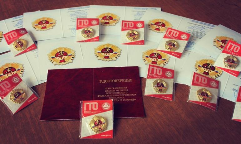 Более 15 тысяч выпускников Челябинской области имеют возможность получить дополнительные баллы пр