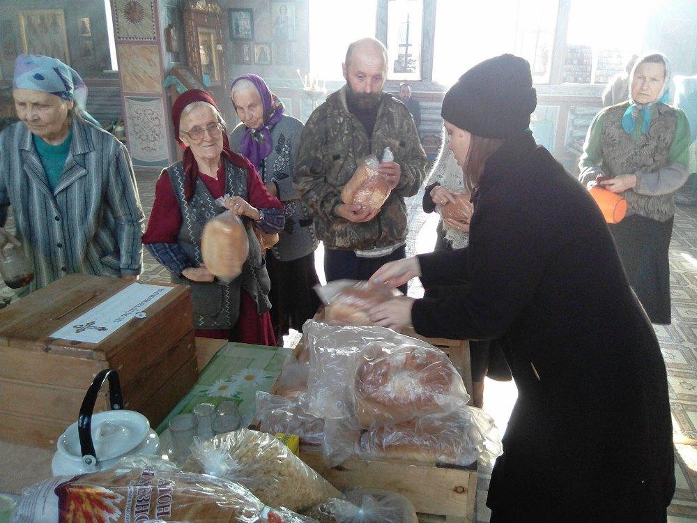 Как сообщили агентству «Урал-пресс-информ» в Челябинской епархии, свежий хлеб получили первые 15