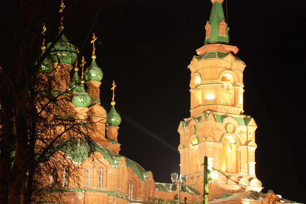 Идея установить на храм архитектурную подсветку принадлежит Главе Челябинска Станиславу Мошарову