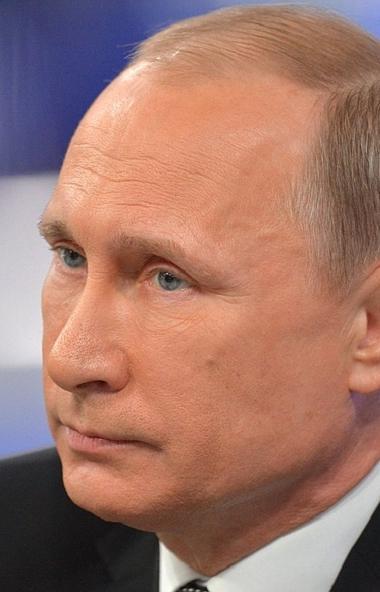 Действующий президент России Владимир Путин должен остаться на посту главы государства на протяже