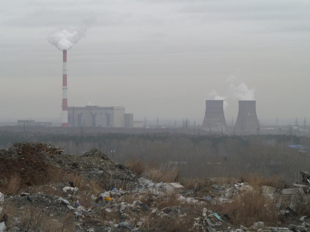 Челябинская свалка в Металлургическом районе, официально закрытая в сентябре этого года, продолжа