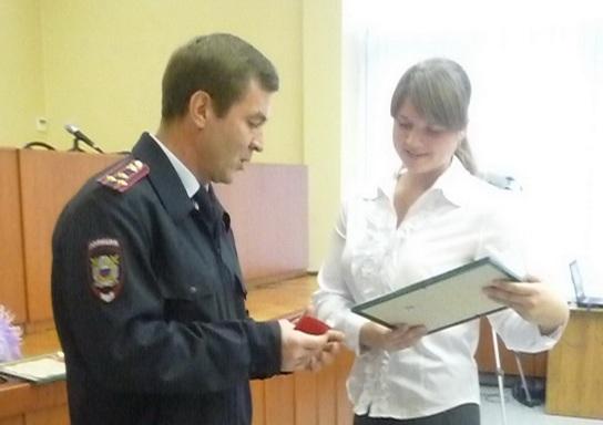 Ученицы 11-го класса общеобразовательной школы №47 в Ленинском районе Екатерина Григорьева и Юлия