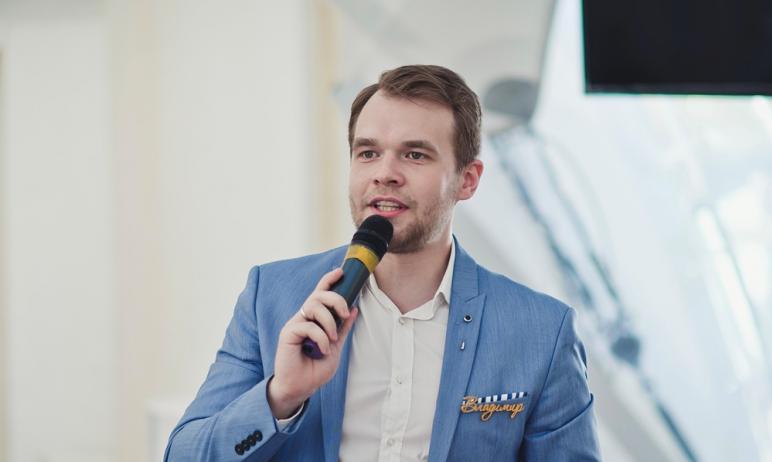 Уроженец Челябинска и в прошлом участник Высшей лиги КВН Владимир Федоров запустил в интернет-про