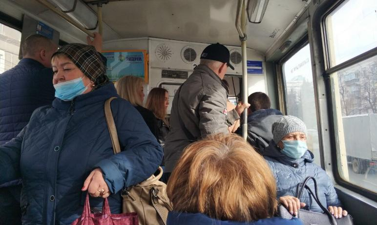 Ехала утром в такси, по радио эмоционально сообщили, что где-то в другой стране приняли на работу