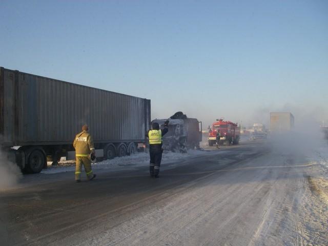 По информации пресс-службы Управления дорог «Южный Урал», водитель решил пойти на обгон по обочин