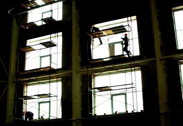 Напомним, ООО «Речелстрой» из-за финансовых трудностей приостановило строительство 18 многокварти