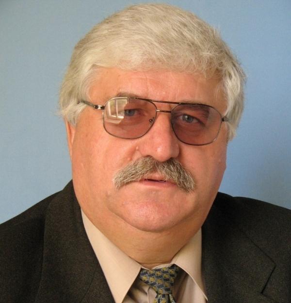 Председателем СТД был избран директор Златоустовского театра «Омнибус», председатель совета дирек