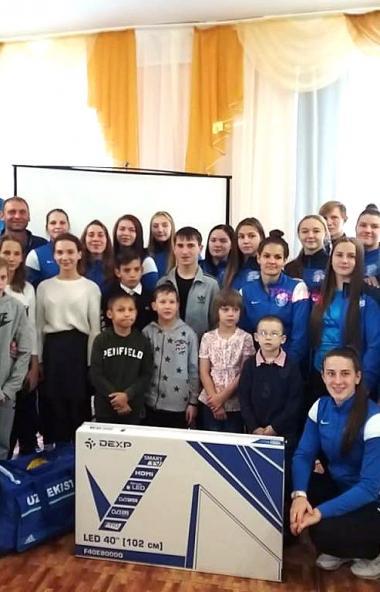 Ватерпольная команда «Динамо-Уралочка» в полном составе посетила два социальных учреждения Златоу