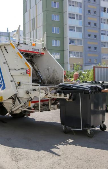 Жителей Челябинска постепенно приучают к раздельному сбору мусора, что уже два месяца практикуетс